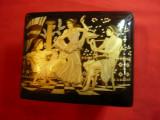 Caseta din Portelan pictat manual cu aur- Scene antice Grecia ,dim.= 14x11x5,5cm