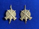Insigne militare-Semne de armă-Artilerie și Rachete Antiaeriene (culoare aurie)