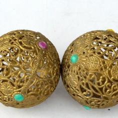 Ornamente vechi pentru bradul de Craciun perioada RSR - lot de 2 globuri plastic