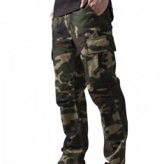 Pantaloni camuflaj barbati Urban Classics 38 EU