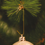 Carlige pt. suspendarea bomboanelor si podoabelor de pom de Craciun - auriu - 150 buc. pachet