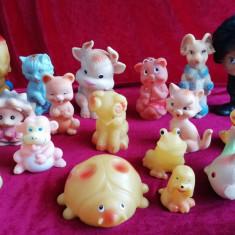 Lot 17 figurine jucarii cauciuc Arădeanca si rusesti anii 70 80