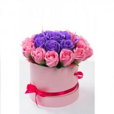 Cutie cu trandafiri de sapun