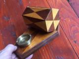Vintage / Arta - Tabachera pentru tigari / lemn cu furnir si scrumiera din bronz