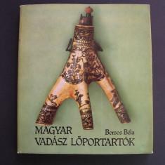 Cornuri de praf de pusca vanatoresti din Ungaria si Transilvania, 132 pagini