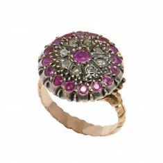 Inel vechi din aur/argint, ornamentat cu rubine si diamante, circumferinta 56 mm