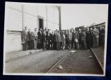 FOTOGRAFIE DE GRUP , DOMNUL MERCIER LA CENTRALA ELECTRICA DIN GENNEVIILIERS , PARIS , DATATA 1928
