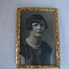 Impresionanta rama din alama cu fotografie portret, anii 1920, Aluminiu, Dreptunghiular