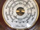 Barometru vechi ,sferic  francez