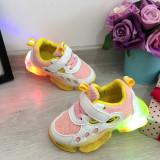 Cumpara ieftin Adidasi usori albi galbeni roz cu lumini LED - beculete pt fetite 21 22 23
