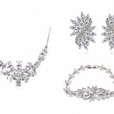 Set Borealy Crystals Colier Cercei si Bratara Dolce Luxury