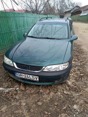 Opel vectra B, an 2000, motor 1600. Masina necetita reparatii. Am toate piesele. foto