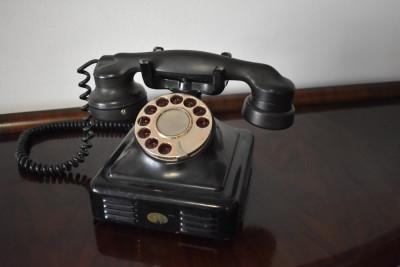 Telefon vechi frantuzesc cu disc / bachelita ebonita - de colectie - 1946 foto