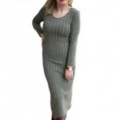 Rochie fashion cu model tineresc pe corp, cu fir auriu in tesatura