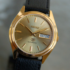 Ceas automatic Seiko 5 cadran auriu - barbatesc, Elegant, Mecanic-Automatic, Otel