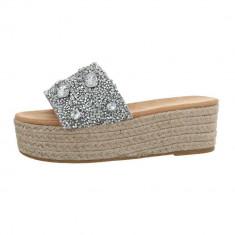 Papuci sic, cu platforma si numeroase aplicatii decorative, 36 - 40, Argintiu