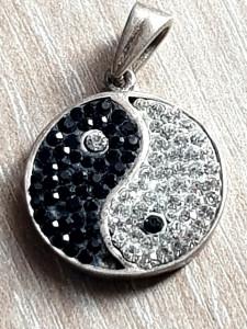 Fermecator medalion YIN SI YANG argint 925-pandant decorat cristale
