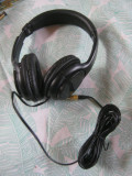 Cumpara ieftin Casti cu microfon iBOX,negru