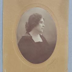 PORTRET DE FEMEIE , FOTOGRAFIE STUDIO JULIETTA , PE PASPAPRTU DE CARTON , DATATA 1922