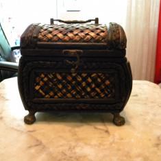 Cutie din lemn ptr. bijuterii