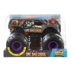 Masinuta Hot Wheels Monster Truck, 1:24, One Bad Ghoul, GBV39