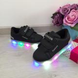 Adidasi negri scai cu luminite beculete LED pt copii baieti fete 25 26