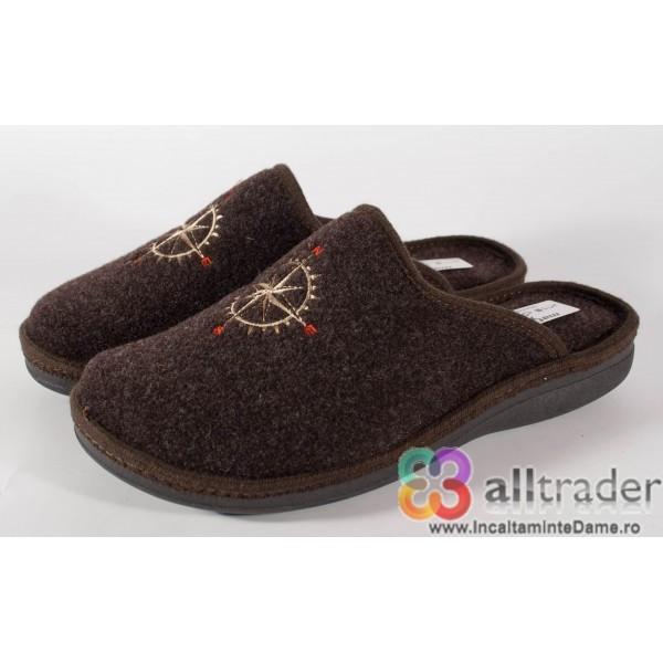 Papuci de casa maro din lana pentru barbati/barbatesti (cod 191047)