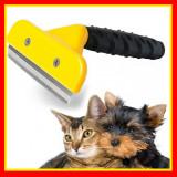 Cumpara ieftin Perie Pentru Pisici/Caini Furminator- Marimea M