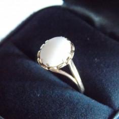 Inel din aur de 9k cu opal(7698)