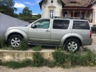 Nissan Pathfinder foto