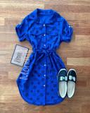 Cumpara ieftin Rochie ieftina casual stil camasa albastra si neagra cu stelute si cordon in talie