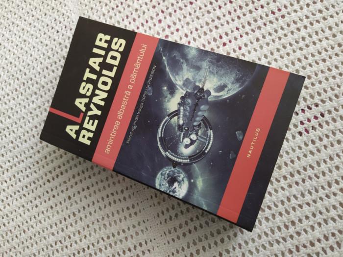 # Amintirea albastră a Pământului - Alastair Reynolds