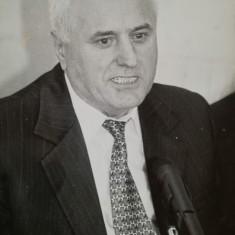 Foto Ion Ghica, finantist, BNR, fondator BCR, CEC, RIB, in anii 90, 12 / 16 cm