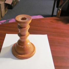 CY - Sfesnic, mai vechi, din lemn, deosebit / h = 15 cm; d baza = 10 cm
