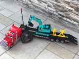 Tir trailer cu telecomanda si excavator