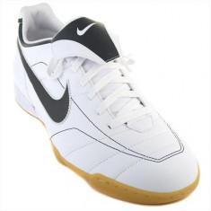 Ghete Fotbal Nike Tiempo Natural IC 310061101, 39, Alb, Barbati