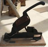 Cumpara ieftin Unealta veche - decor tehnic si functional