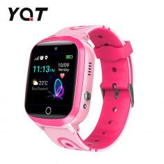 Ceas Smartwatch Pentru Copii YQT Q13 cu Functie Telefon, Localizare GPS, Istoric traseu, Apel de Monitorizare, Camera, SOS, Joc Matematic, Roz, Cartel