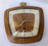 Cumpara ieftin Ceas de perete stil Art Deco marca germana ZENTRA anii 1930