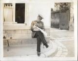 A595 Fotografie ofiter roman citind ziar anii 1930 poza veche