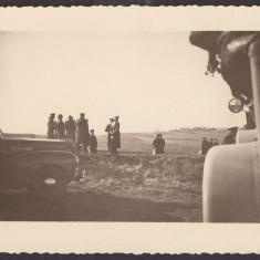 Foto Regele Mihai in vizita pe campul de lupta WW2
