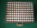 Geamantan rachita - nuiele impletite cu manere