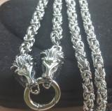 Lant  +medalion INOX cap leu = 80 ron