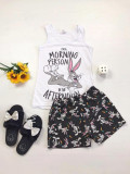 Pijama dama ieftina primavara-vara cu maieu alb si pantaloni scurti bleumarin si imprimeu BB