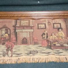 Antica tapiserie de dimensiuni impresionante