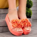 Papuci dama cu talpa inalta roz Tringenia