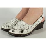 Cumpara ieftin Pantofi albi perforati platforma 028642