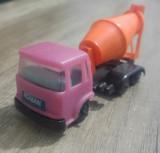 Camion ROMAN, betoniera, jucarie romaneasca de plastic din perioada comunista