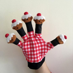 Marioneta teatru de papusi, papusa manuala tip manusa pe degete, prajituri