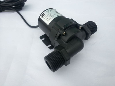 SOLAR POMPA de recirculare pentru apa fierbinte sau rece alimentata la 12V foto